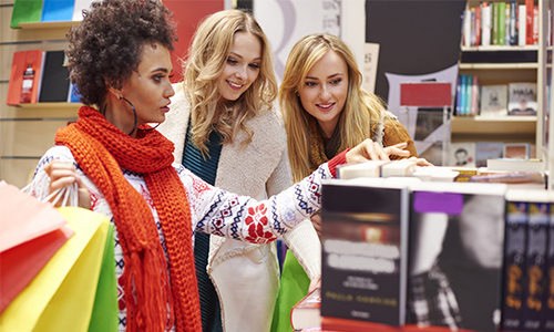 Friends on Shopping Trip Enjoying Perks that Elavon's Loyalty Programs Offer